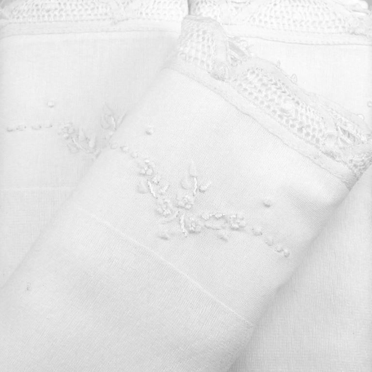 Fralda Renda Renascença Floral Branca - de R$ 54,32 a R$ 63,90 - Desconto Progressivo