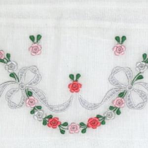 Fralda Richelieu Sonhos Rosa - de R$ 46,67 a R$ 54,90 - Desconto Progressivo