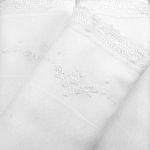 Fralda Renda Renascença Floral Branca (unidade)