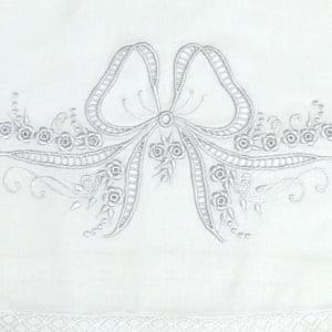 Cueiro Lençol de Xixi Richelieu Laço Branco
