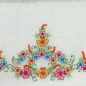 Fralda Richelieu Floral Colorido - de R$ 46,67 a R$ 54,90 - Desconto Progressivo